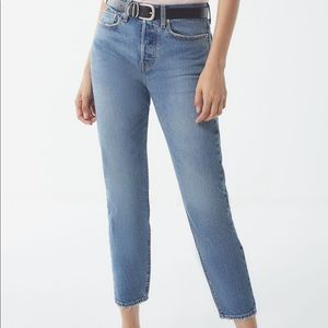 Levi Wedgie High-Rise Cropped Jean